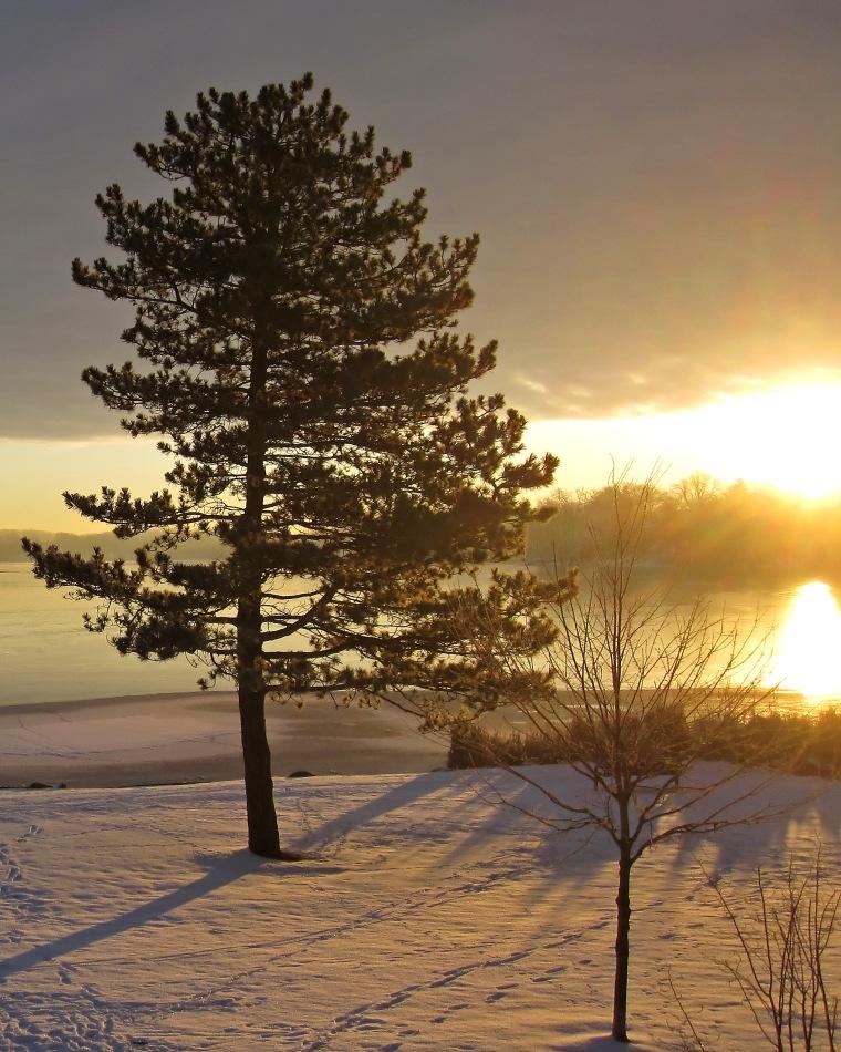Sunday_morning_in_december_1