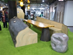 An informal meeting area in the Groupon headquarters.