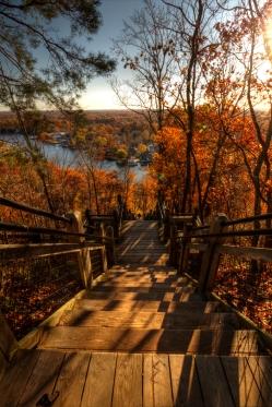 302 steps down to the Kalamazoo River