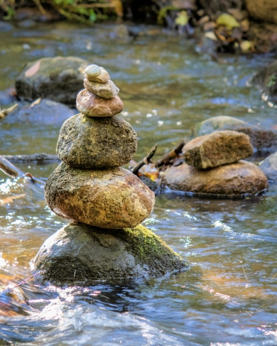 honey-creek-cairn-3656-1