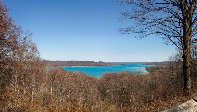 Glen Lake 8001-2